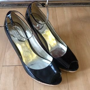 Guess patent leather wedges